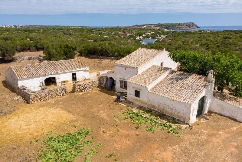Finca Rustica Con Vistas Al Mar En Menorca Fincas Rusticas Estilo En El Hogar Menorca