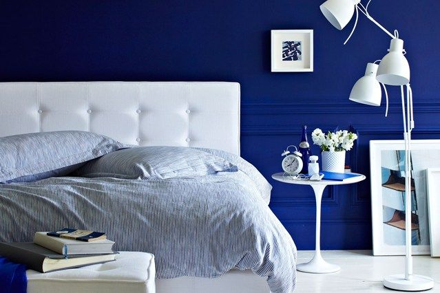 5 decorating ideas with the color royal blue blue bedrooms for Bedroom ideas royal blue