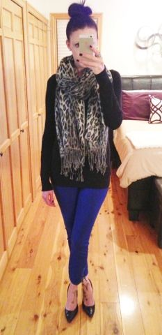 Blue skinnies and a snow leopard scarf