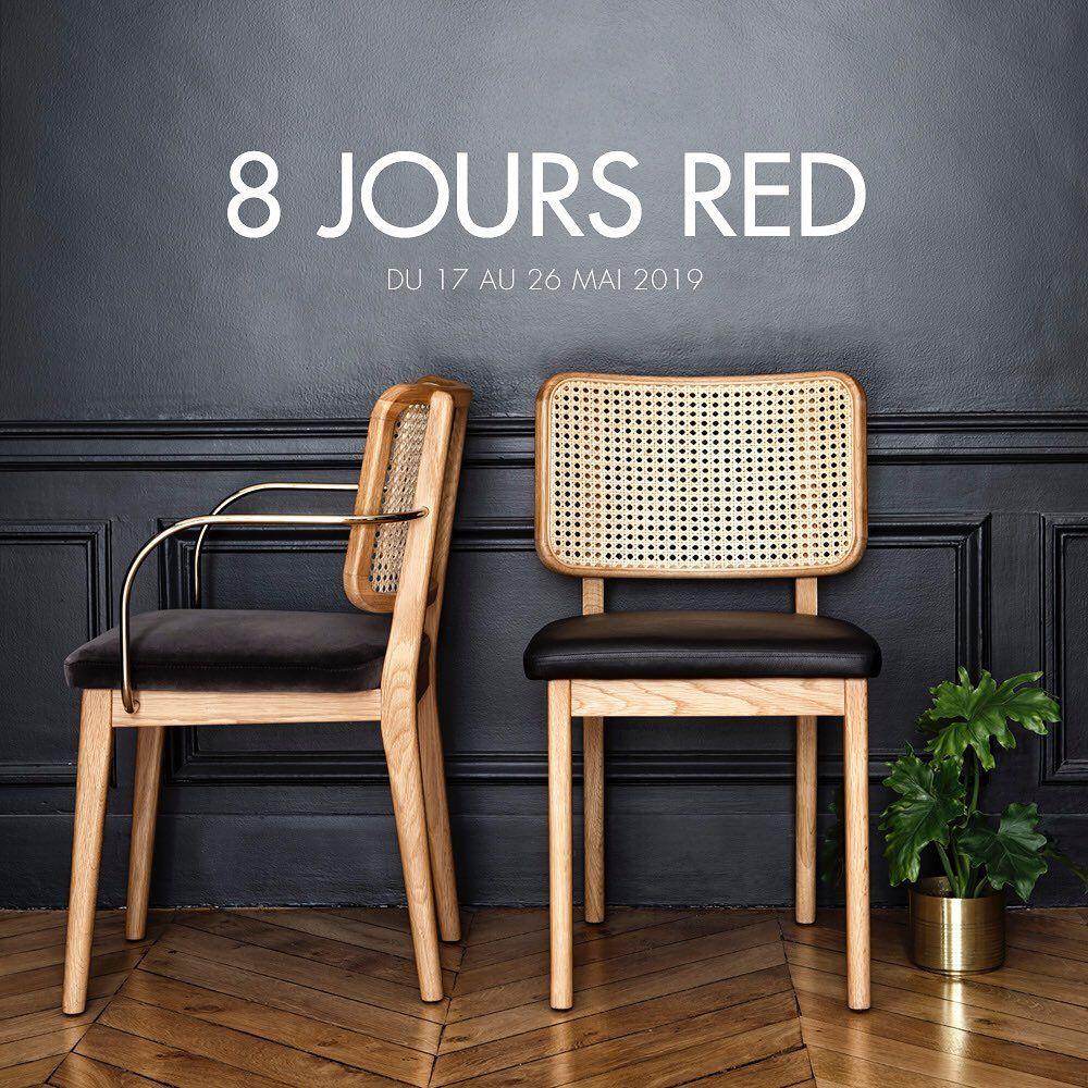 L Image Contient Peut Etre Personnes Assises Et Interieur With Images Chair Wicker Chair Furniture