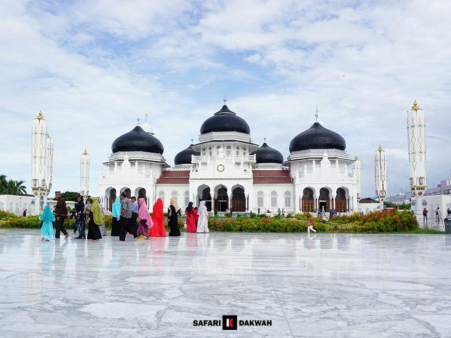 Pin Di Masjid Raya Baiturrahman Banda Aceh