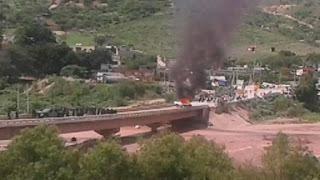 #SOSPORMÉXICO Chocan normalistas con uniformados en Tlapa; reportan diez lesionados http://ift.tt/1RQBbk0