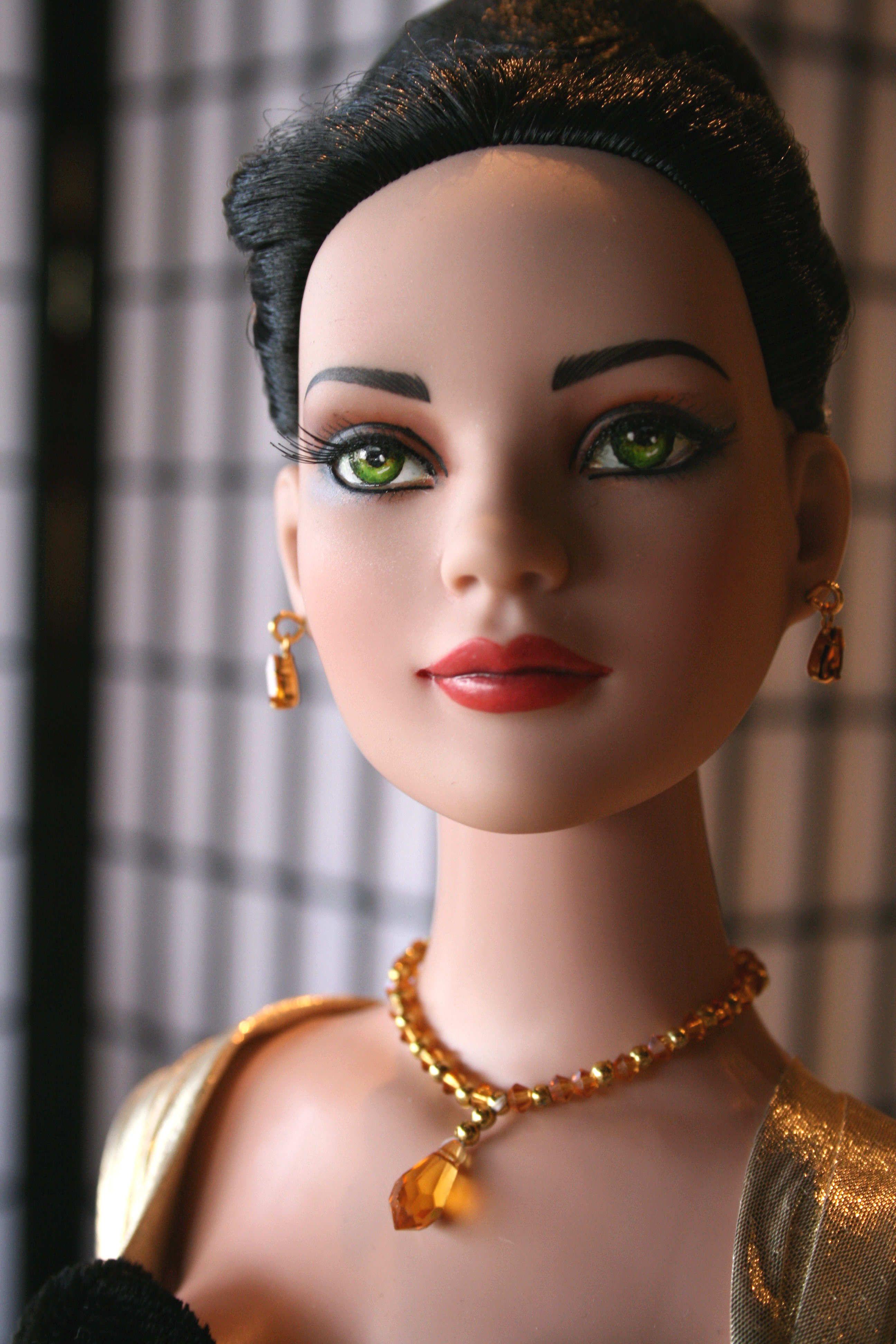 American Model brunette.