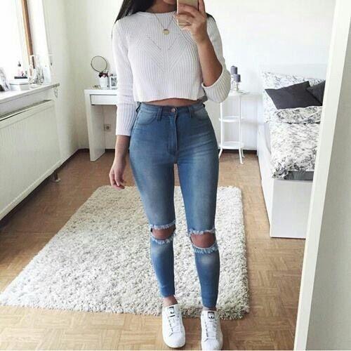 Outfits que necesitan unos tenis blancos para brillar en 2019  fe3d7a683861