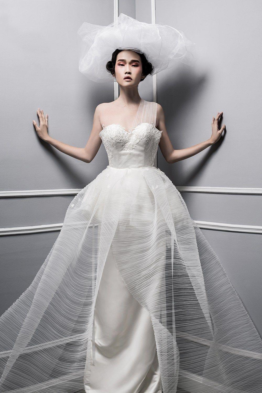 Aurora - Ambersze 2016 Collection. www.theweddingnotebook.com