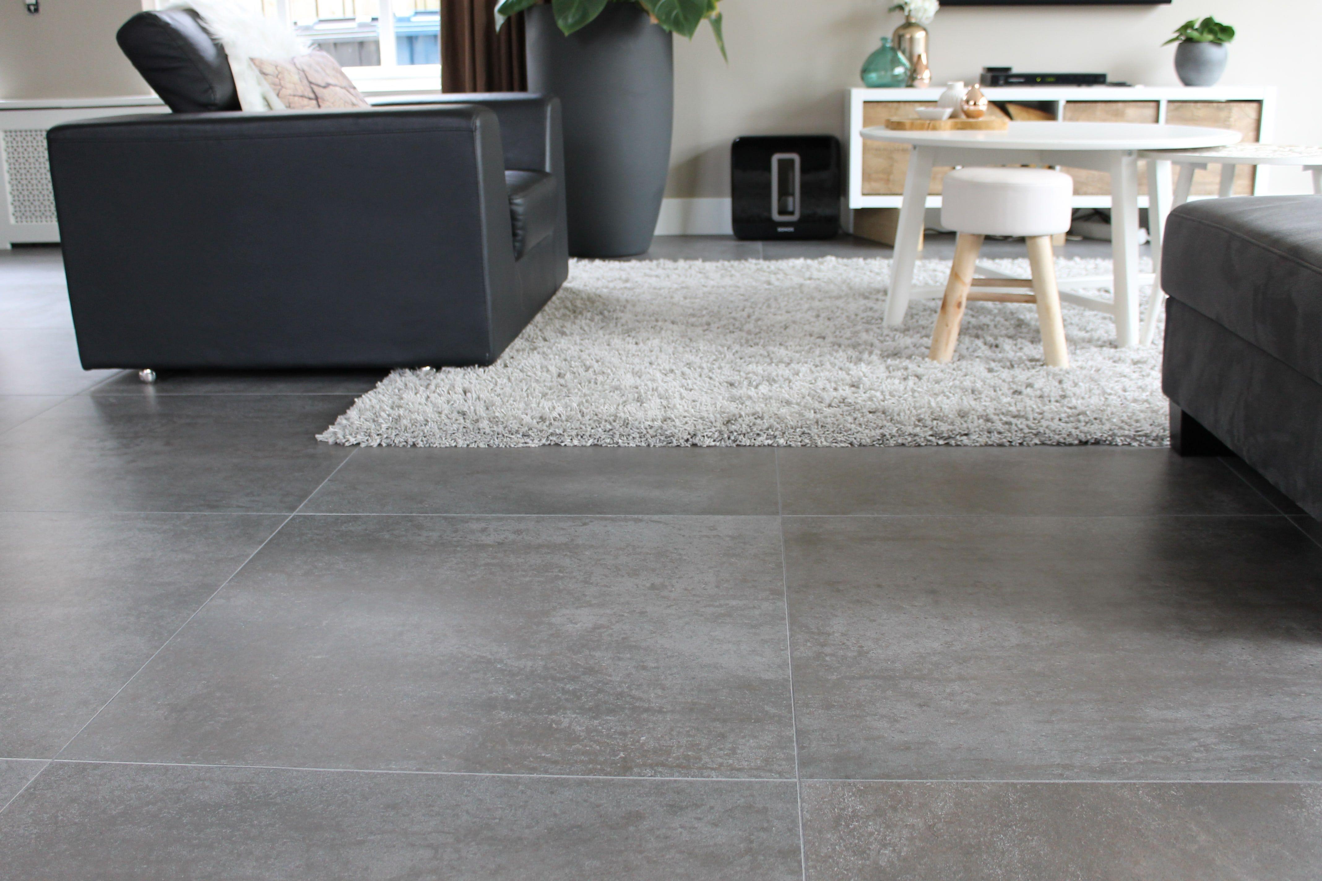 Grote natuurlijke tegels: prachtig voor in de woonkamer! | wonen ...