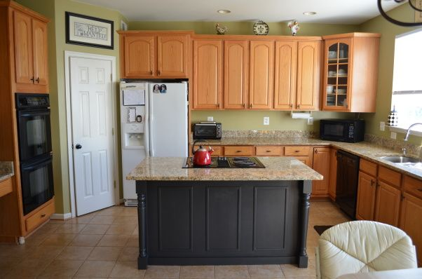 Kitchen Island Update update.painted kitchen island, the original plan was to get new