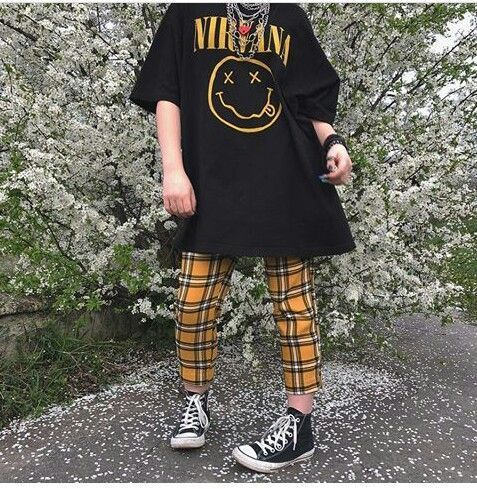 Basic T-shirt Outfits For Summer - FashionActivati