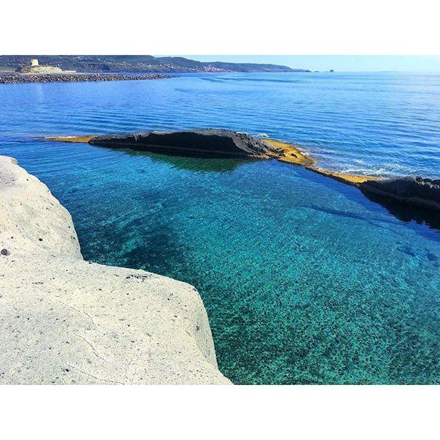 La piscina naturale di Cane Malu a Bosa in una foto di