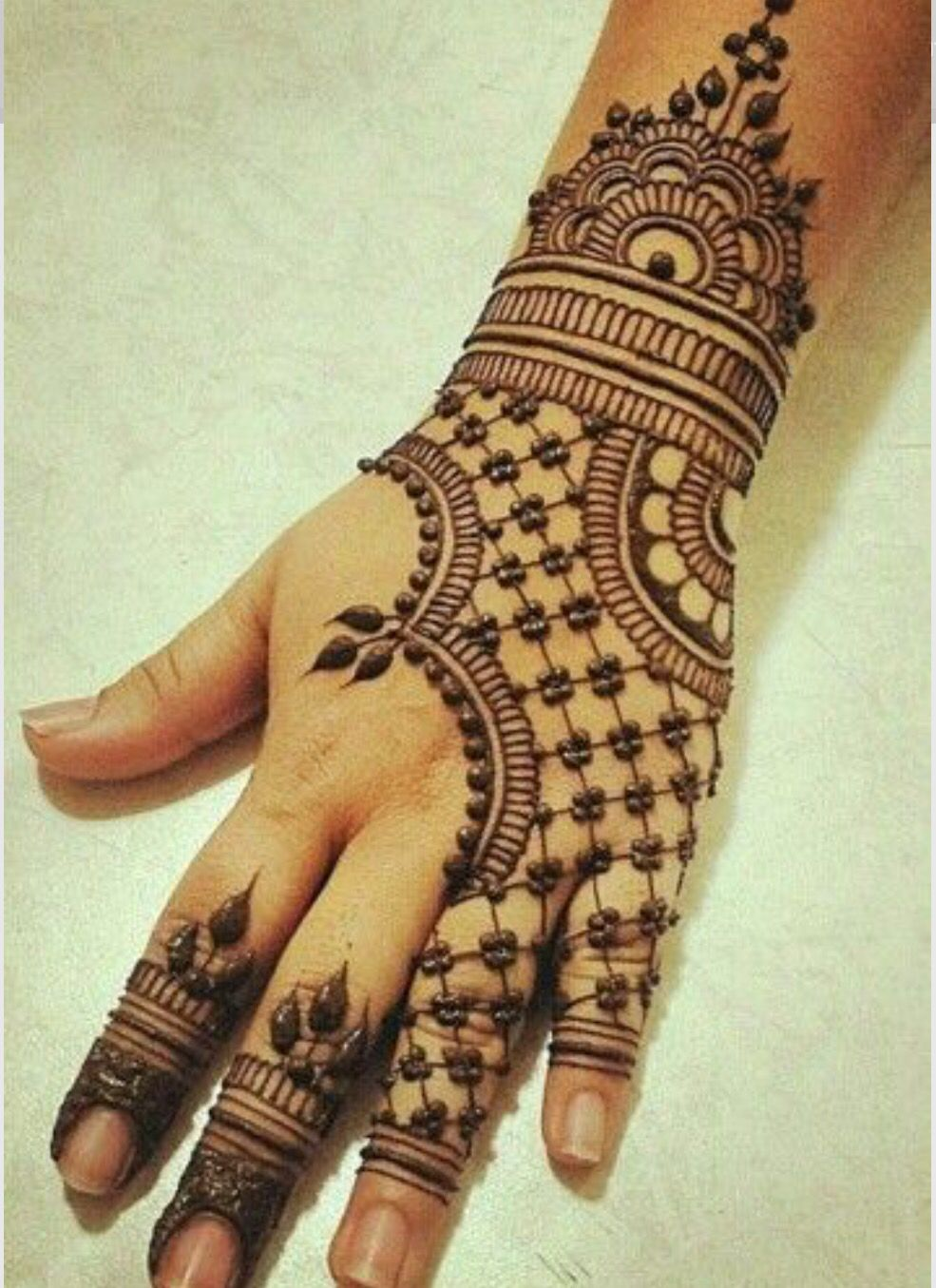 mehndi design in checks
