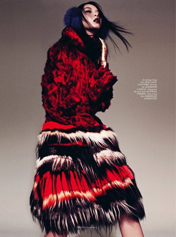 Fashion Photography - red / fur - monstylepin #fashion #photography #highfashion #red #fur