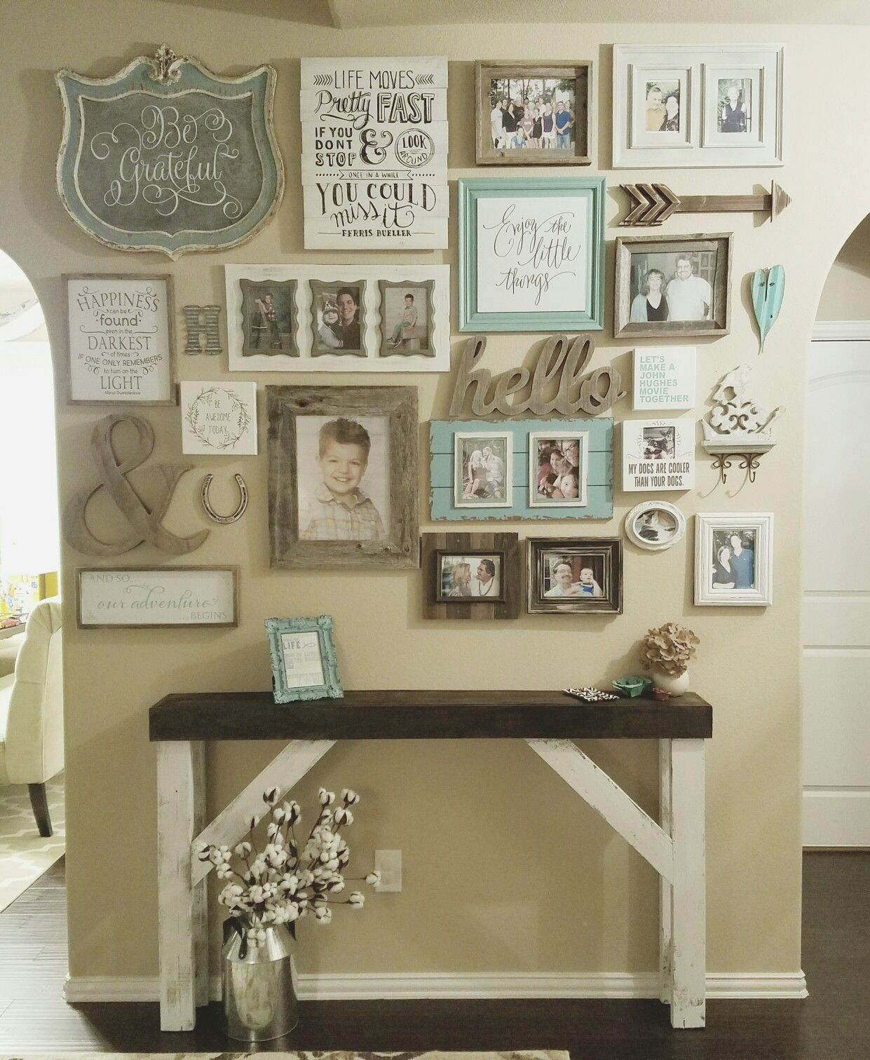 Distressed Farmhouse Living Room: Wall Gallery Entry Farmhouse Style Entry Table. Shabby