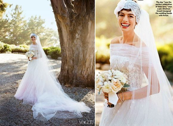 Absolutely Adore Anne Hathaway S Valentino Wedding Gown It So Soft And Full With The
