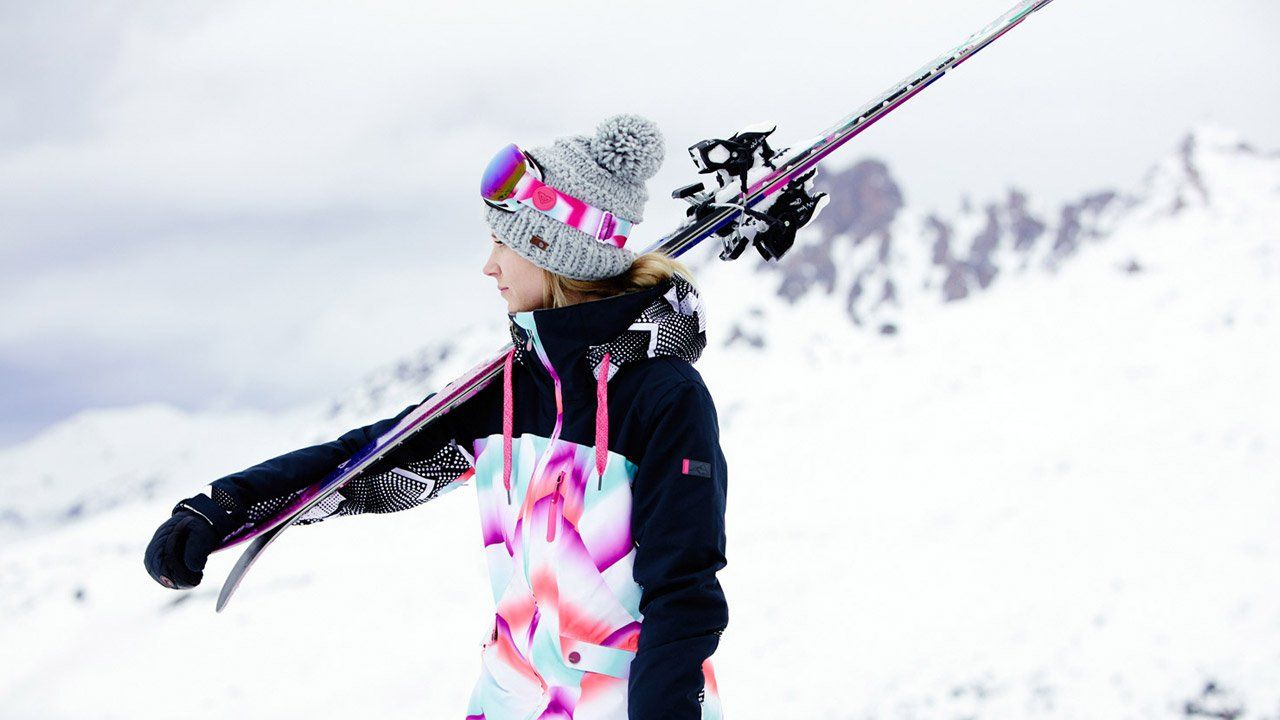 3b5c3587e5 Roxy Snowboard brand and lifestyle Dara Howell Roxy Snowboard brand ...