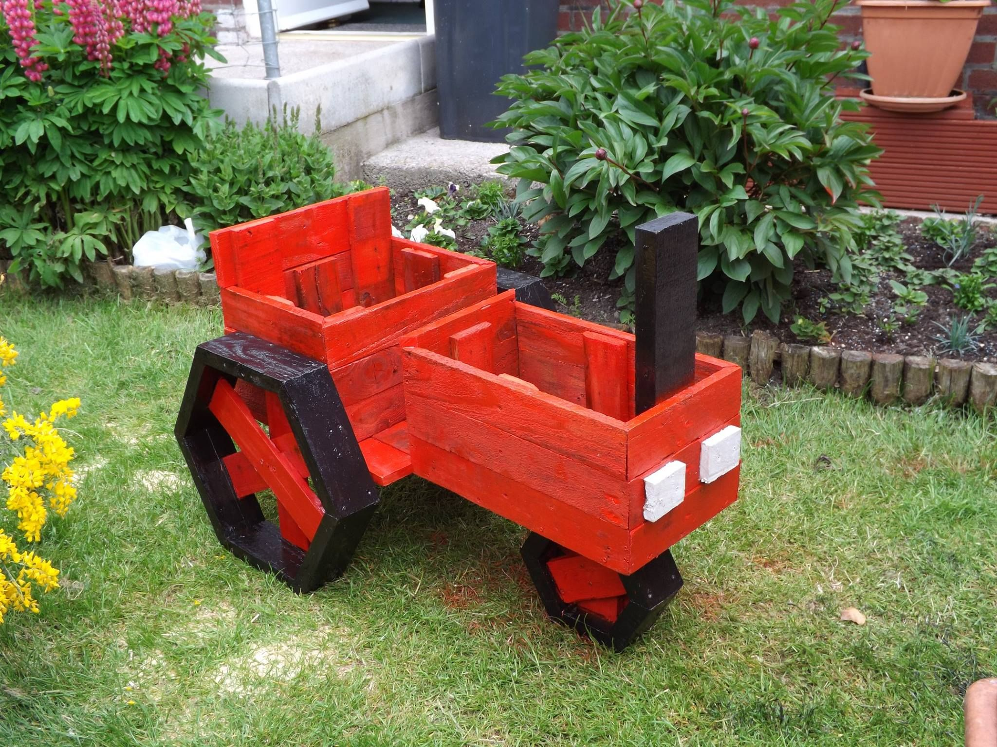 pallets planter tractor | pellet projects in 2019 | diy wood
