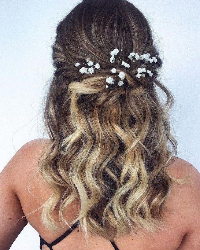 Bridesmaid hair medium length half up simple 6 – www.GasStationMai…