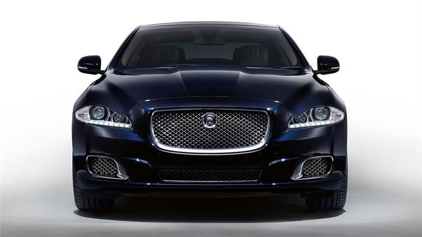 2013 Jaguar Xj Ultimate Luxury Saloon Launched In India Prices Begin At Inr 1 79 Crores Ex Showroom Mumbai With Images Sports Cars Luxury Jaguar Xj Jaguar