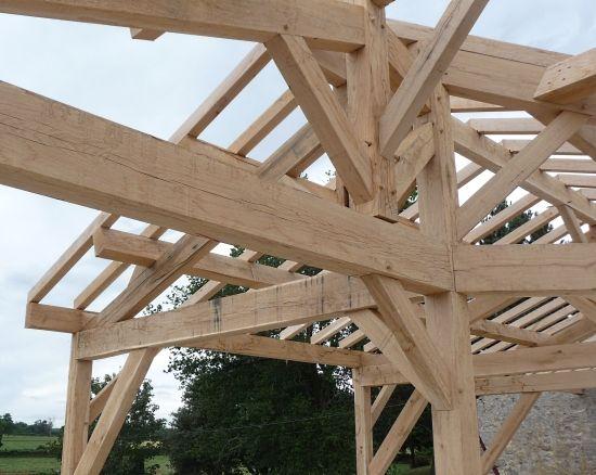 Maison en bois et paille, charpente traditionnelle Home - maison bois et paille