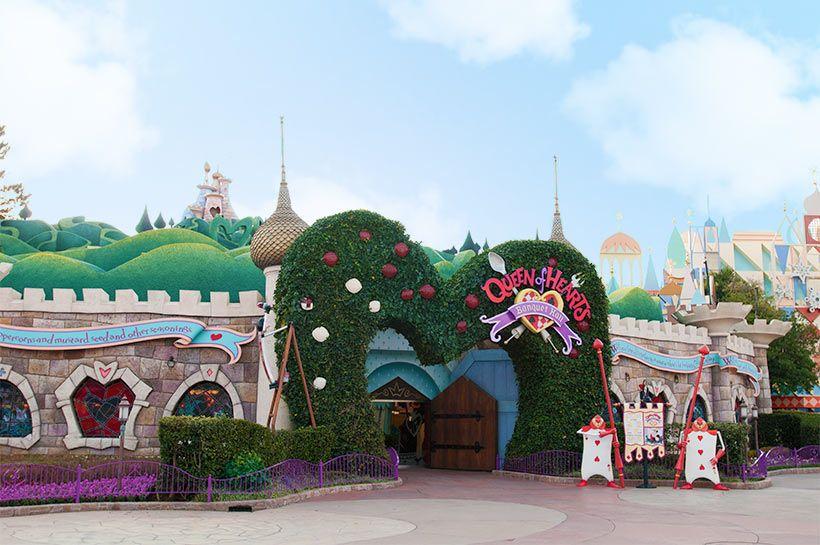 アリスが迷い込んだ ふしぎの国 のようなレストラン ディズニーテーマパーク ディズニーリゾート ディズニーランド