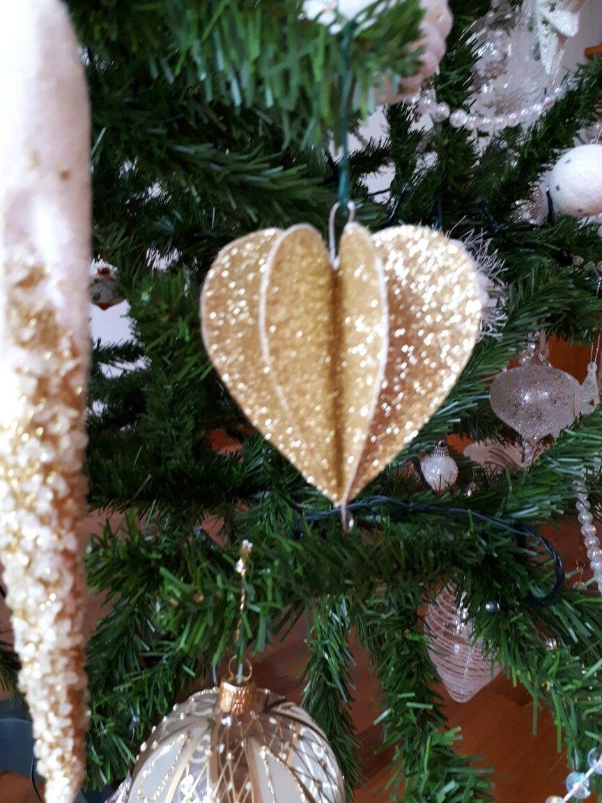 Handmade Paper Ornament Created By Luana Savioli Christmas Decorations Christmas Paper Paper Ornaments