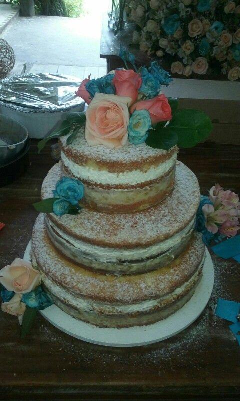 Bolo de csamento _ Naked Cake ganache com abacaxi...delicioso!!! Feito por mim