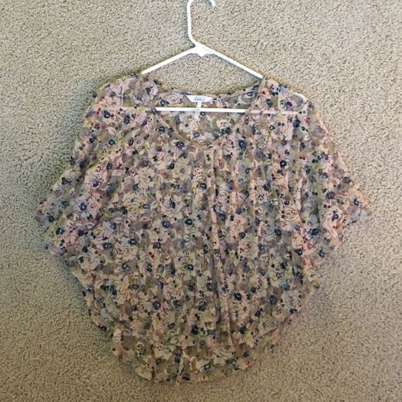 Adorable see through lace shirt Bought from pacsun only worn once, super float and comfy gorgeous colors PacSun Tops Tees - Short Sleeve