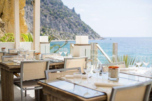 We select the best beach restaurants