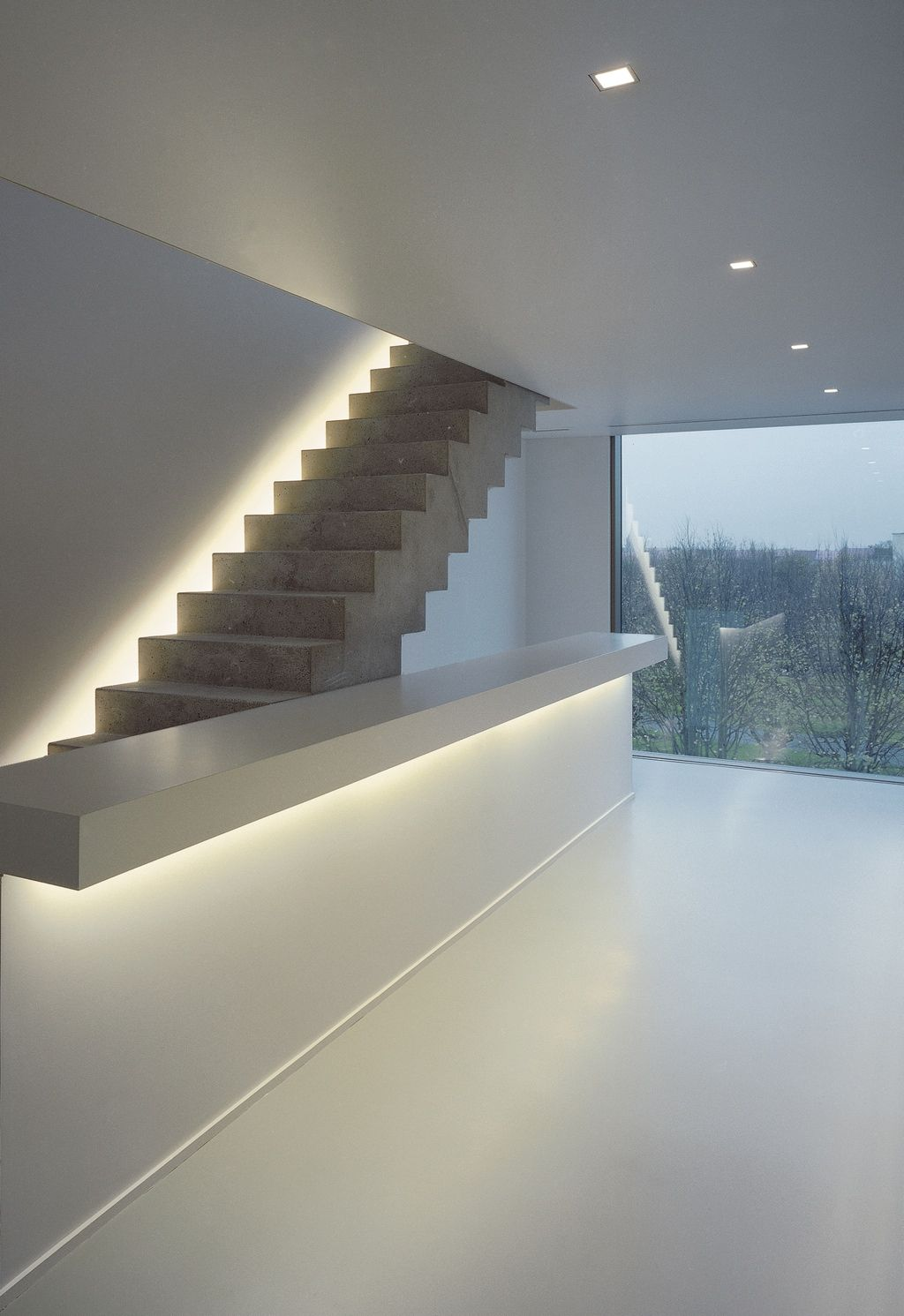 Pin Van Decor Aid Interior Design Firm Op Stair