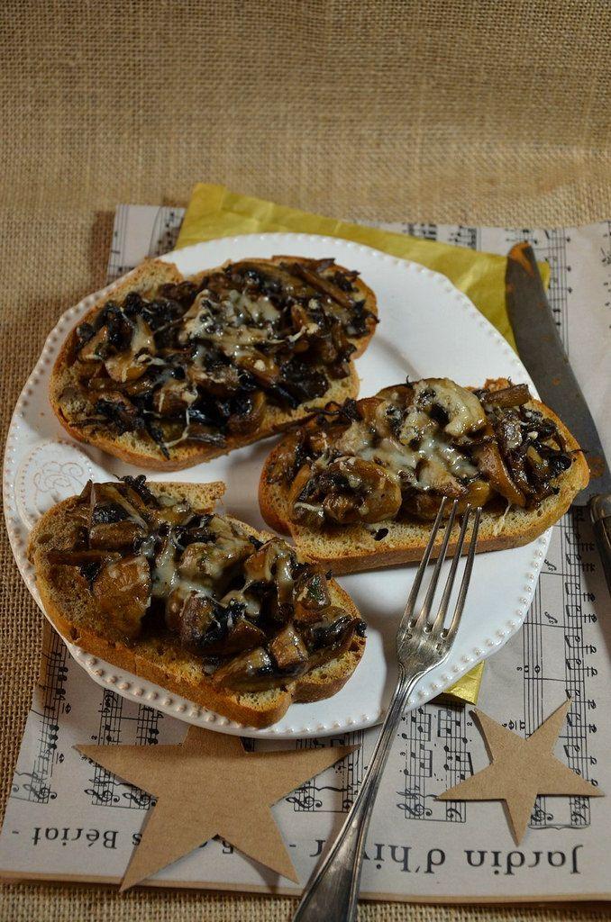 Croute aux champignons et cr me de truffe recette le - Cuisiner les champignons de paris a la poele ...
