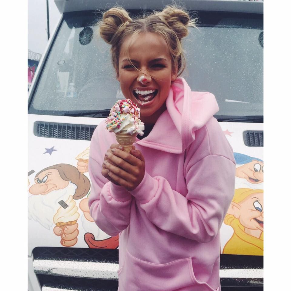 Catching our hot model Emma Louise Connolly off guard by the Ice Cream Van! #PrettyLittleThing #Summer #Model #BTS #BehindTheScenes