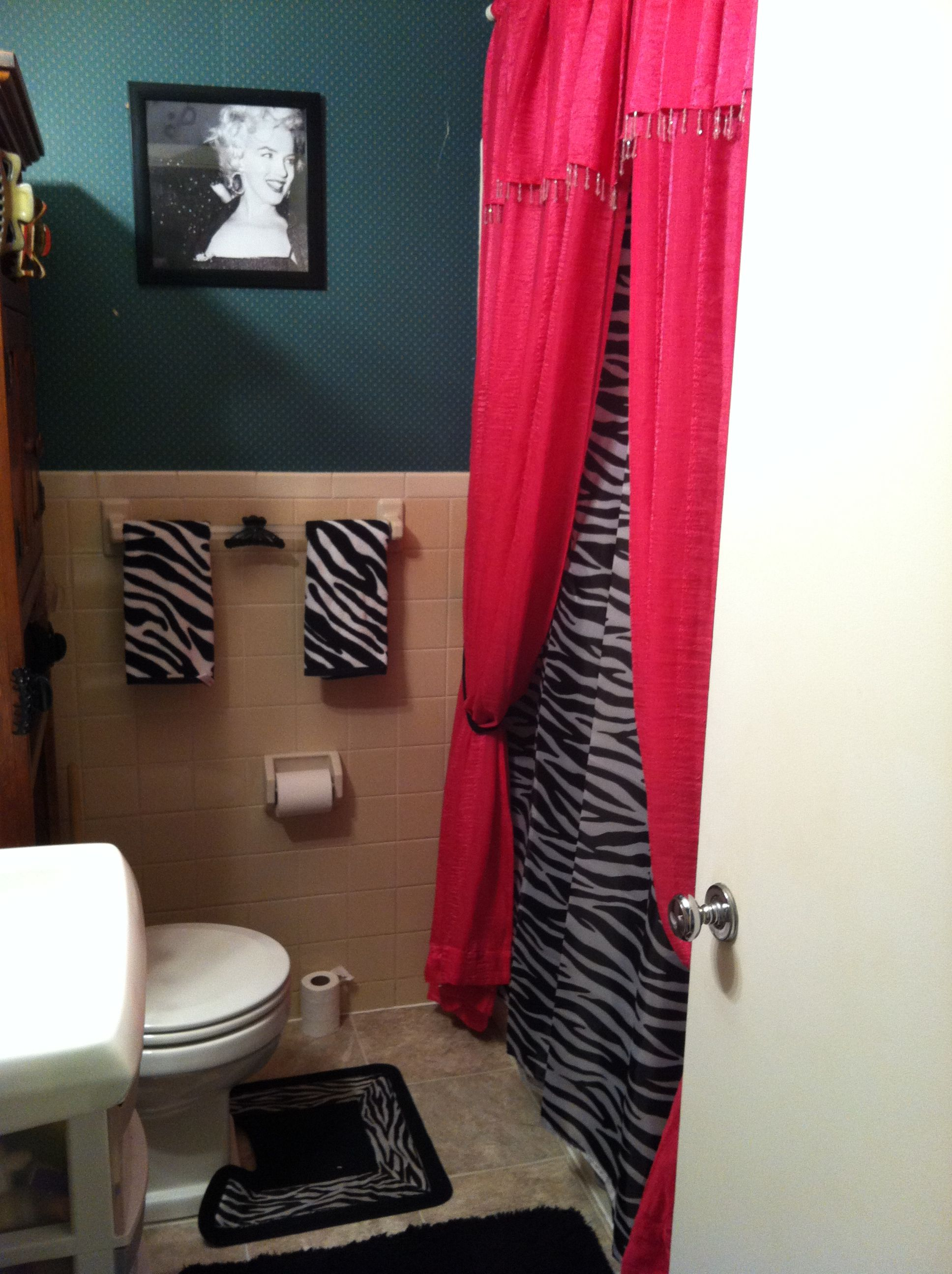 Cute Pink And Zebra Bathroom! Love The Shower Curtain.