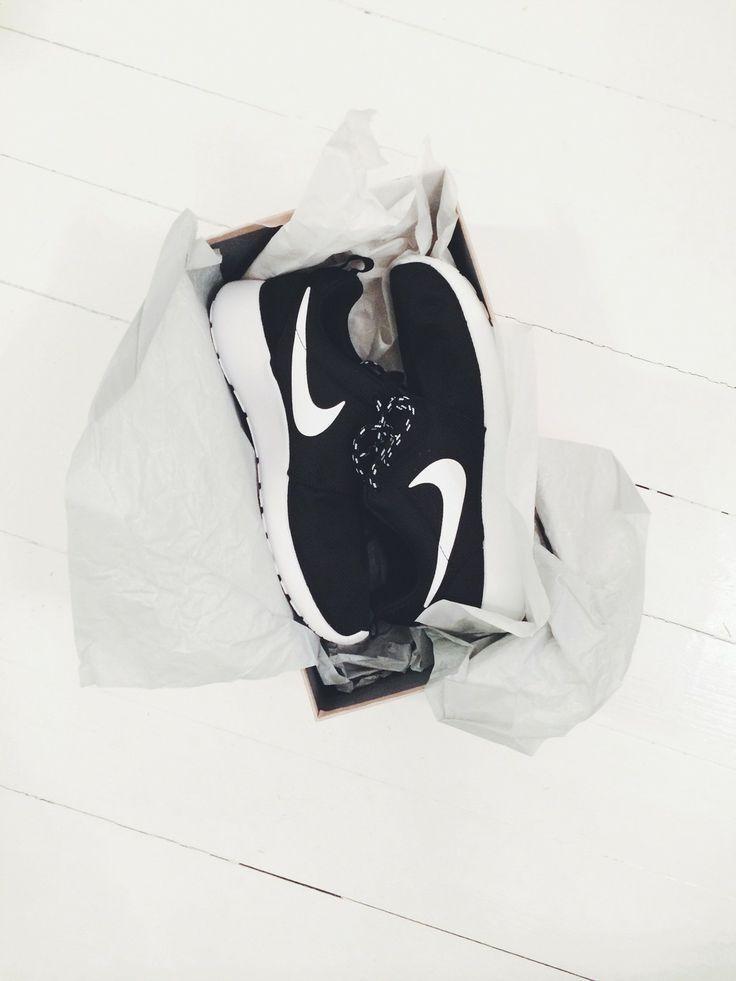 Nike Roshe Ejecutar Sala Blanca Tumblr