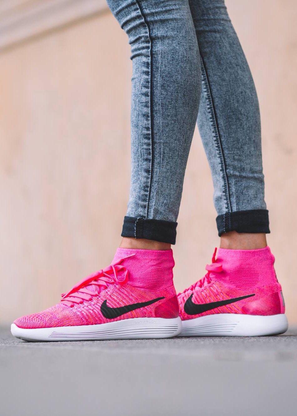 Nike Lunar Epic Flyknit: Pink