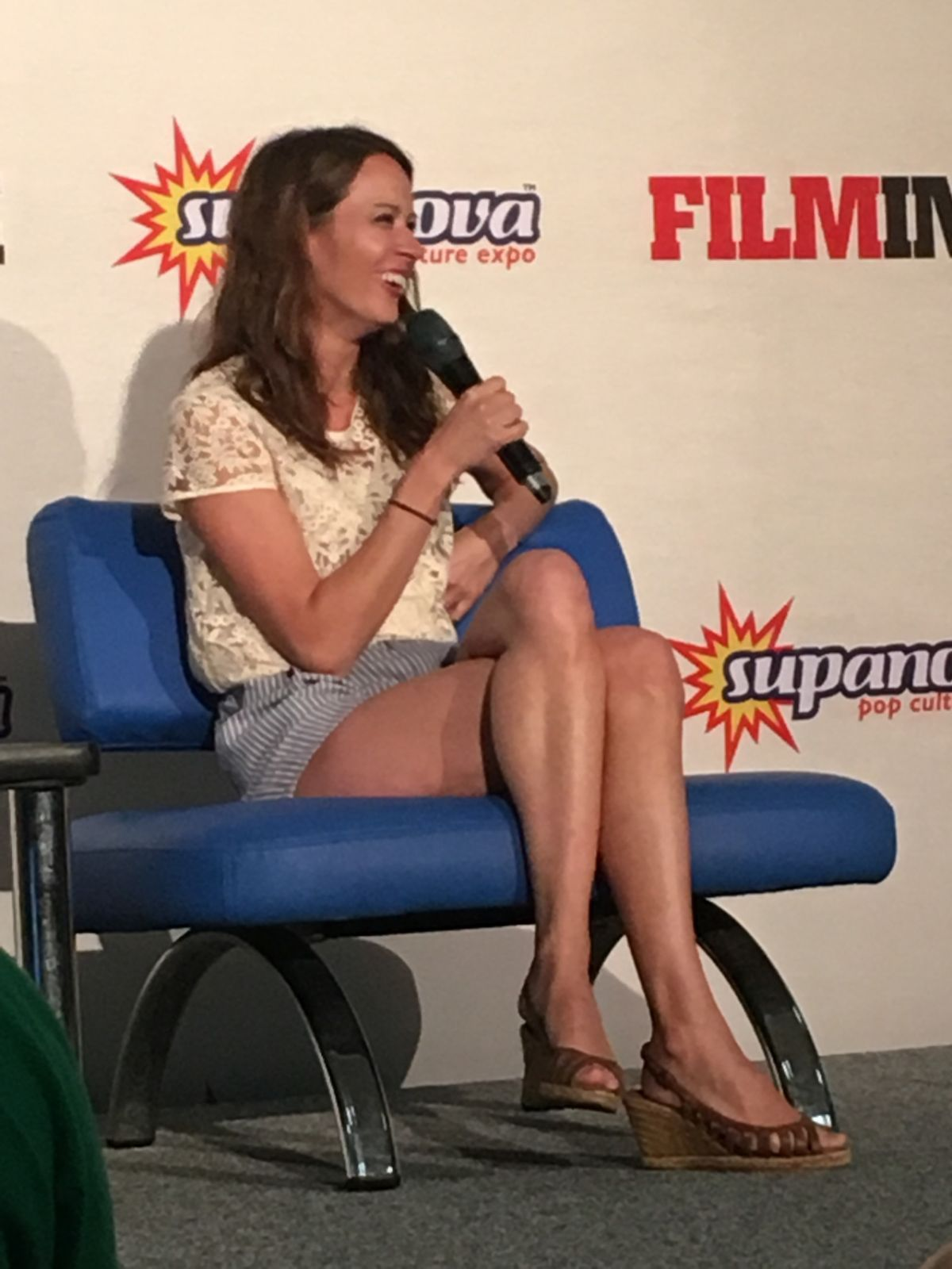 Amy Acker Legs In 2019 Amy Acker Amy Sarah Shahi