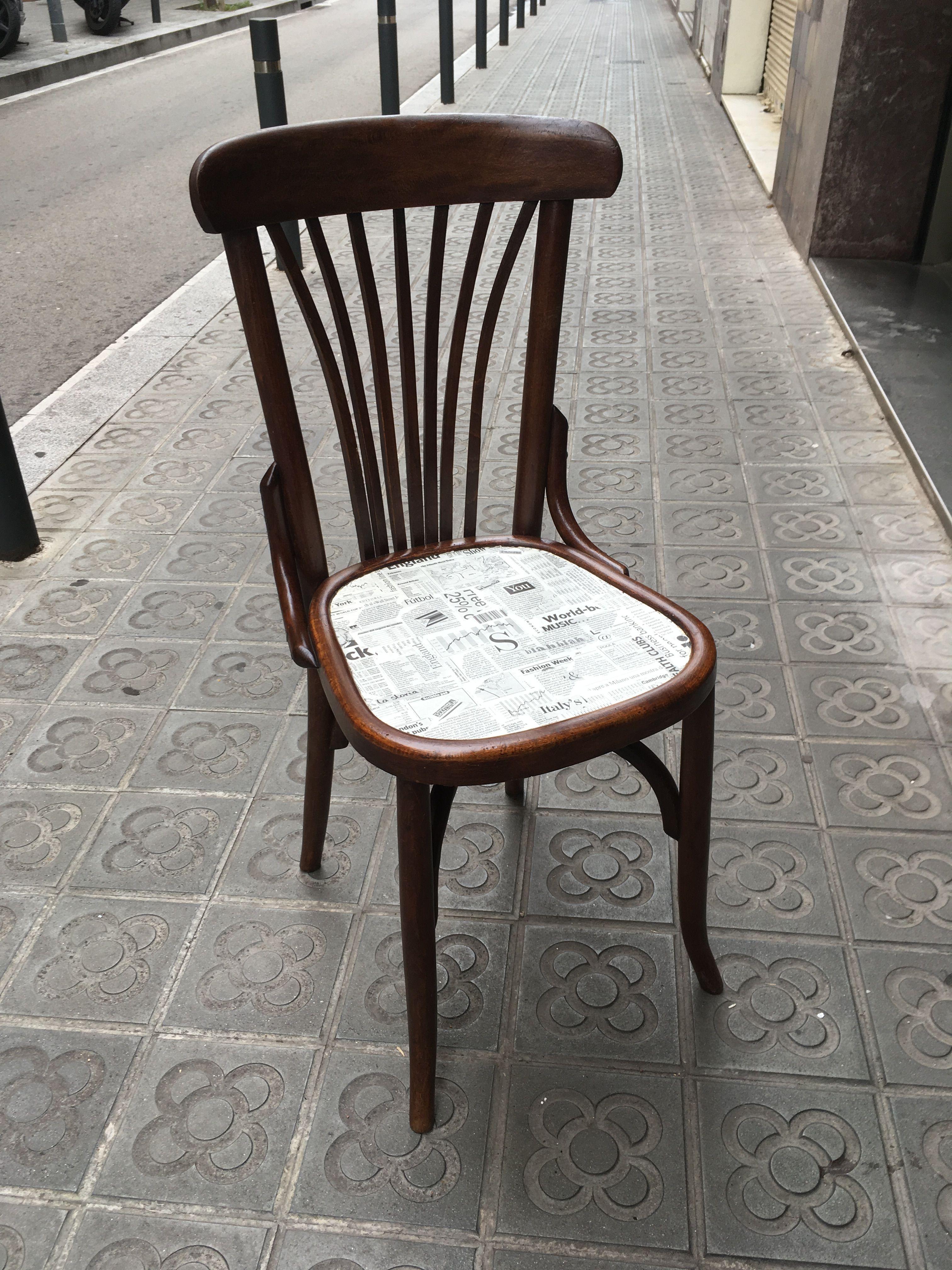 Silla reciclada con asiento en decoupage