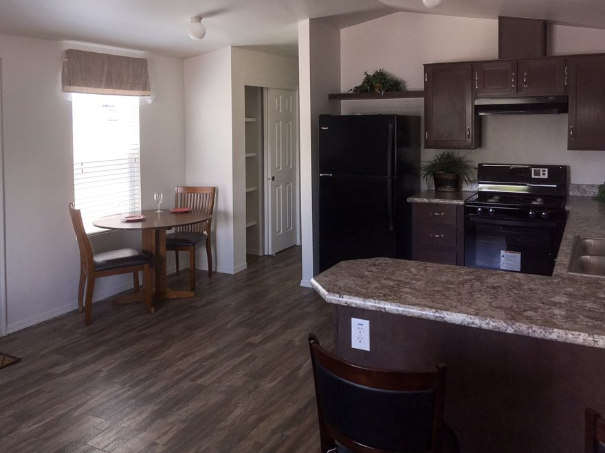 Fairway 16 X 40 625 sqft Mobile Home (With images