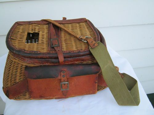 Vintage wicker leather fly fishing creel basket for Fly fishing creel