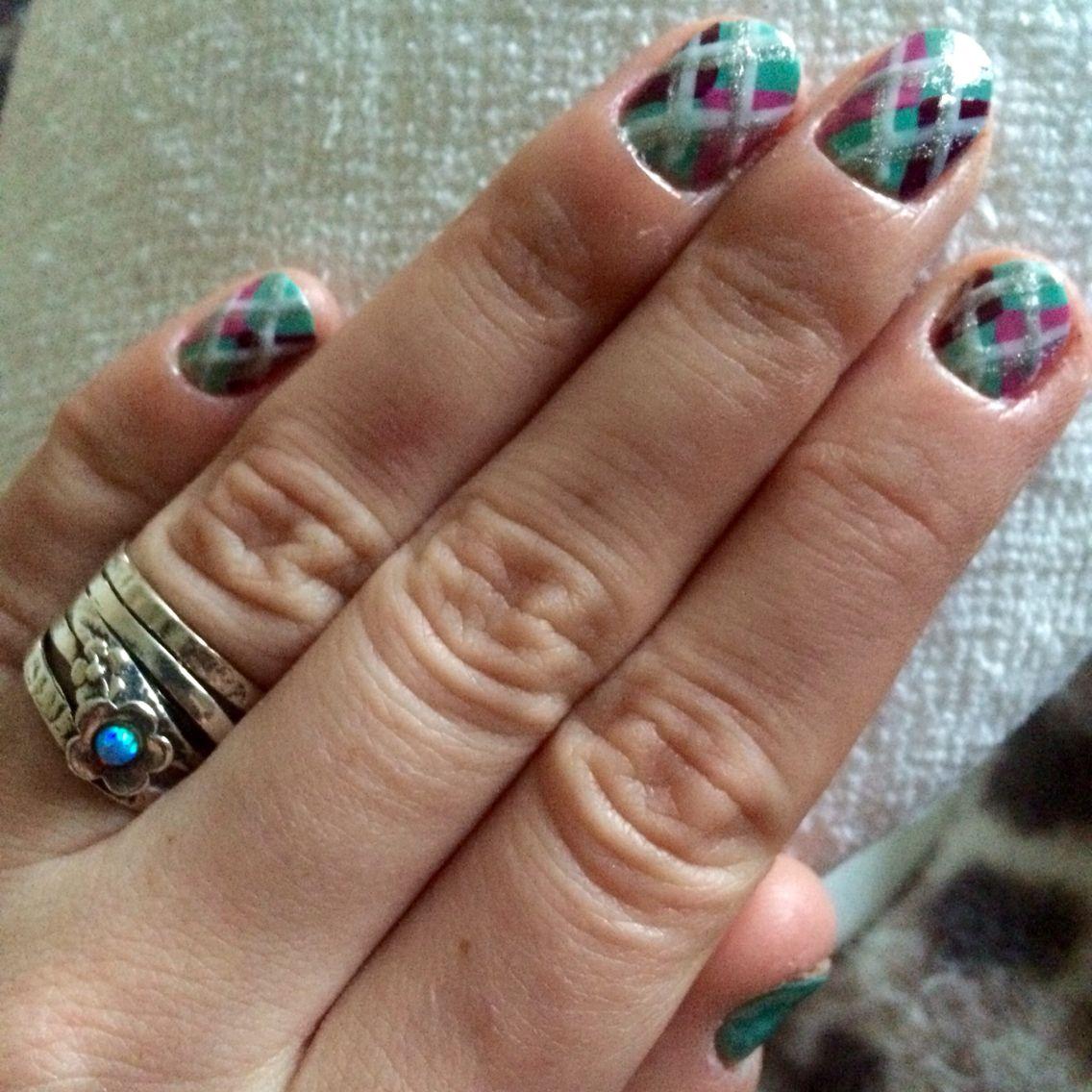 Argyle style nails