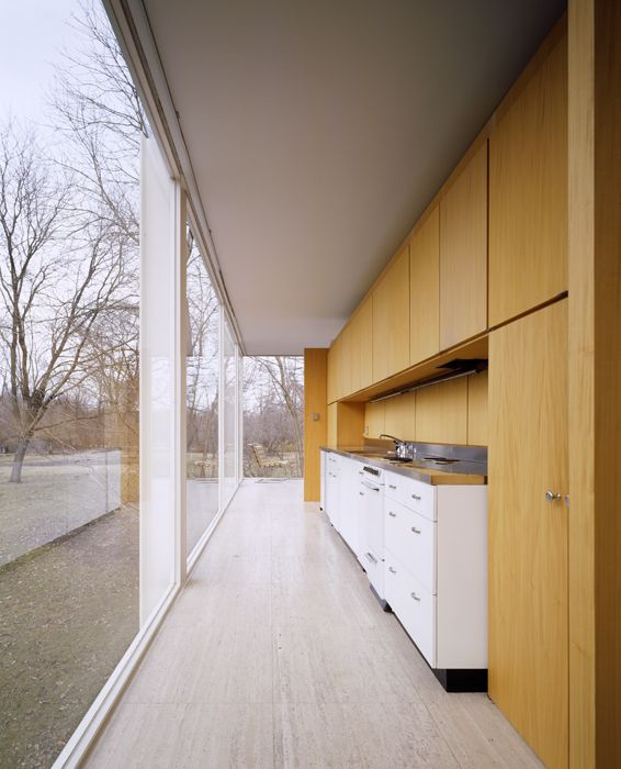 image of the Farnsworth House by Mies van der Rohe; photographed by Hedrich Blessing