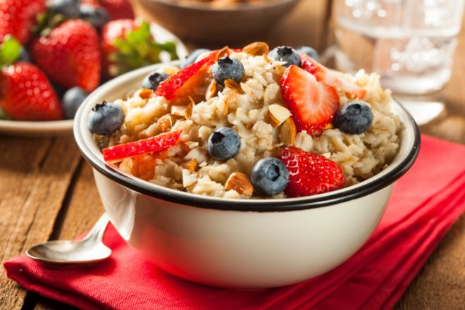 The Oatmeal Hack That Will Add More Time (And Fiber!) To Your Week