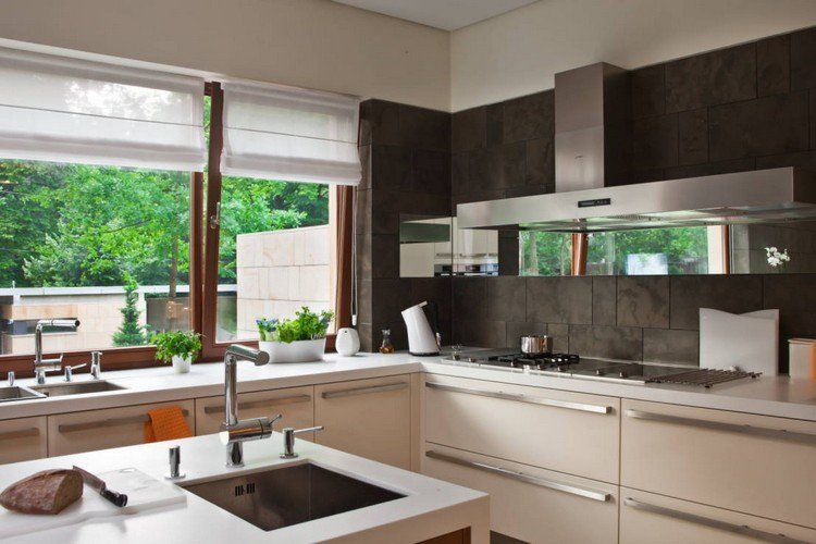 55 rideaux de cuisine et stores pour « habiller » les fenêtres de - carrelage mur cuisine moderne