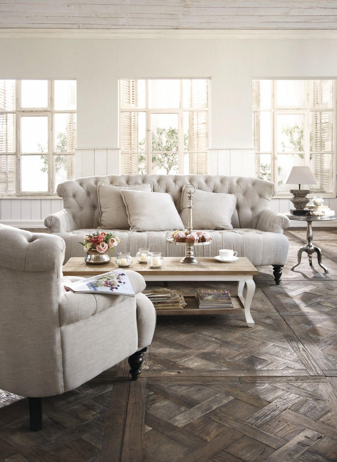 Romantisches Sofa Im Vintage Style, Landhausstil