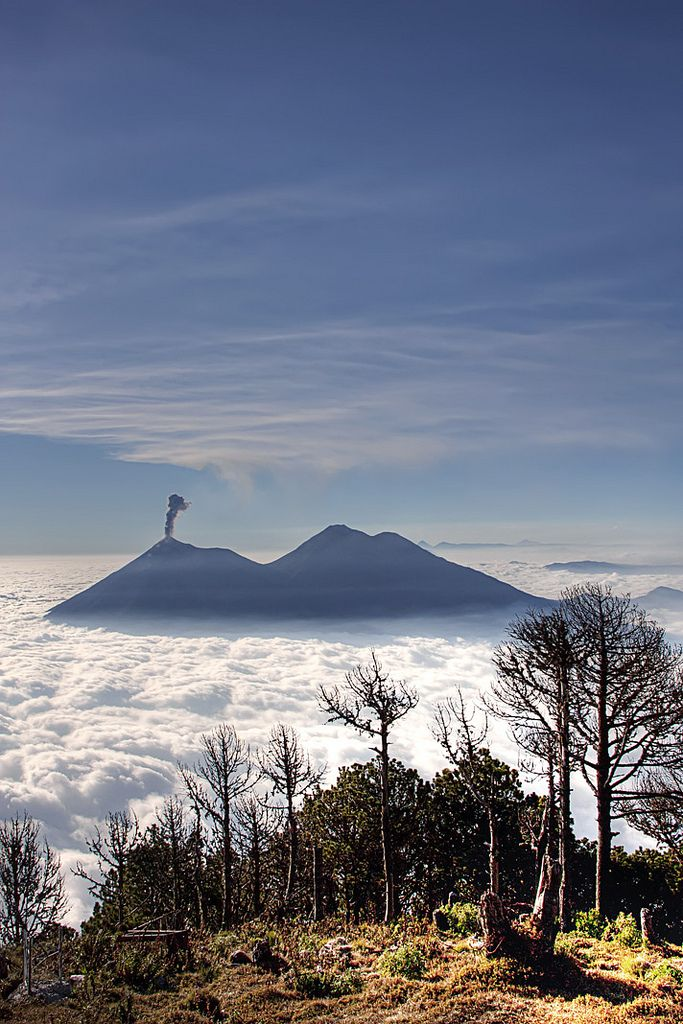 Volcan Acatenango, Guatemala (13,045) is the higher of the ...