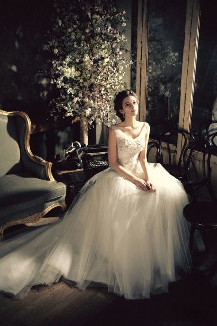 Elegant And Beautiful Wedding Dresses With Straps Wedding Dresses Vintage Wedding Dresses