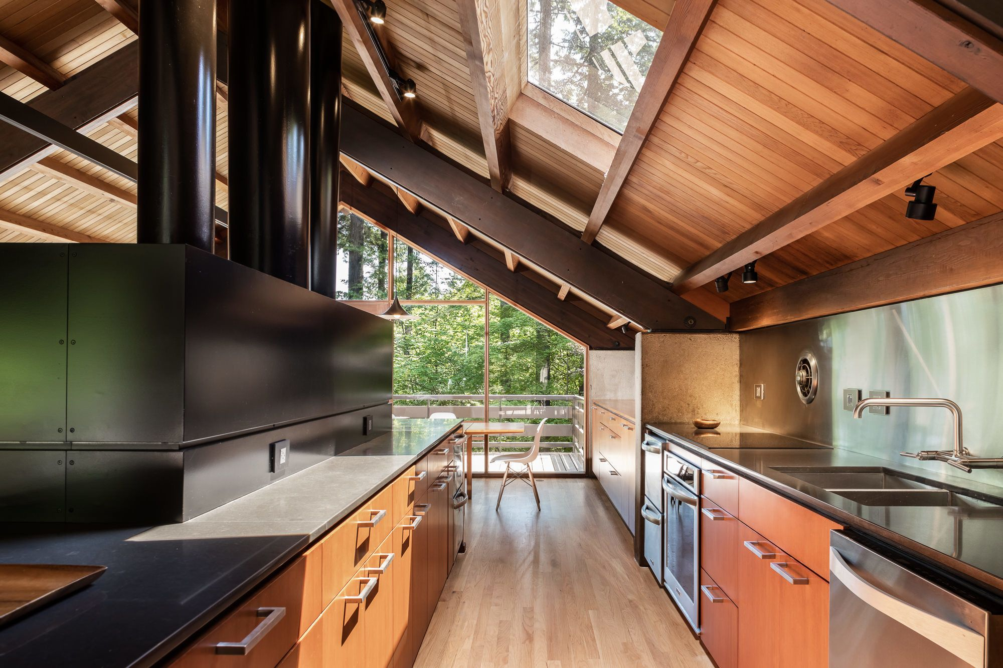 Photo 4 of 6 in A Portland Midcentury Home Shines After an