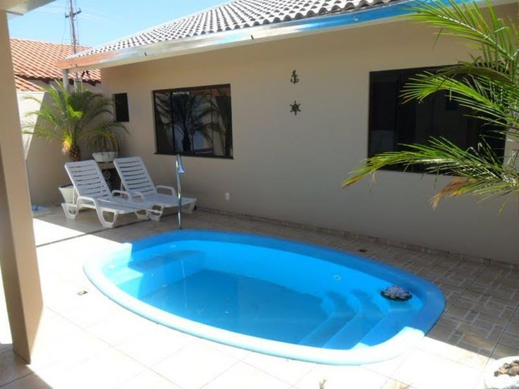Image result for piscina de fibra para quintal pequeno for Piscinas para casas pequenas