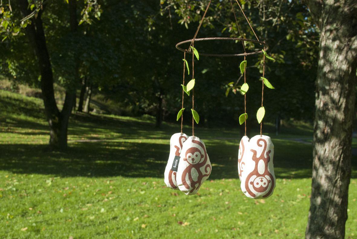 "Handmade mobile ""Aasian apinat"". 100% organic cotton."