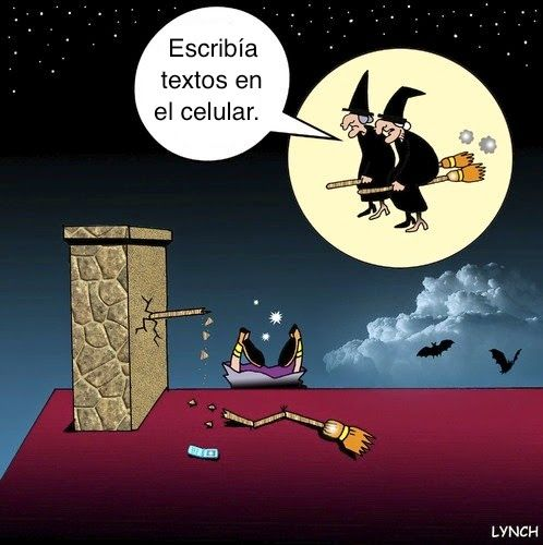 Spanish Halloween jokes: Texting on the broom. #Halloween humor #Spanish jokes #Chistes Halloween