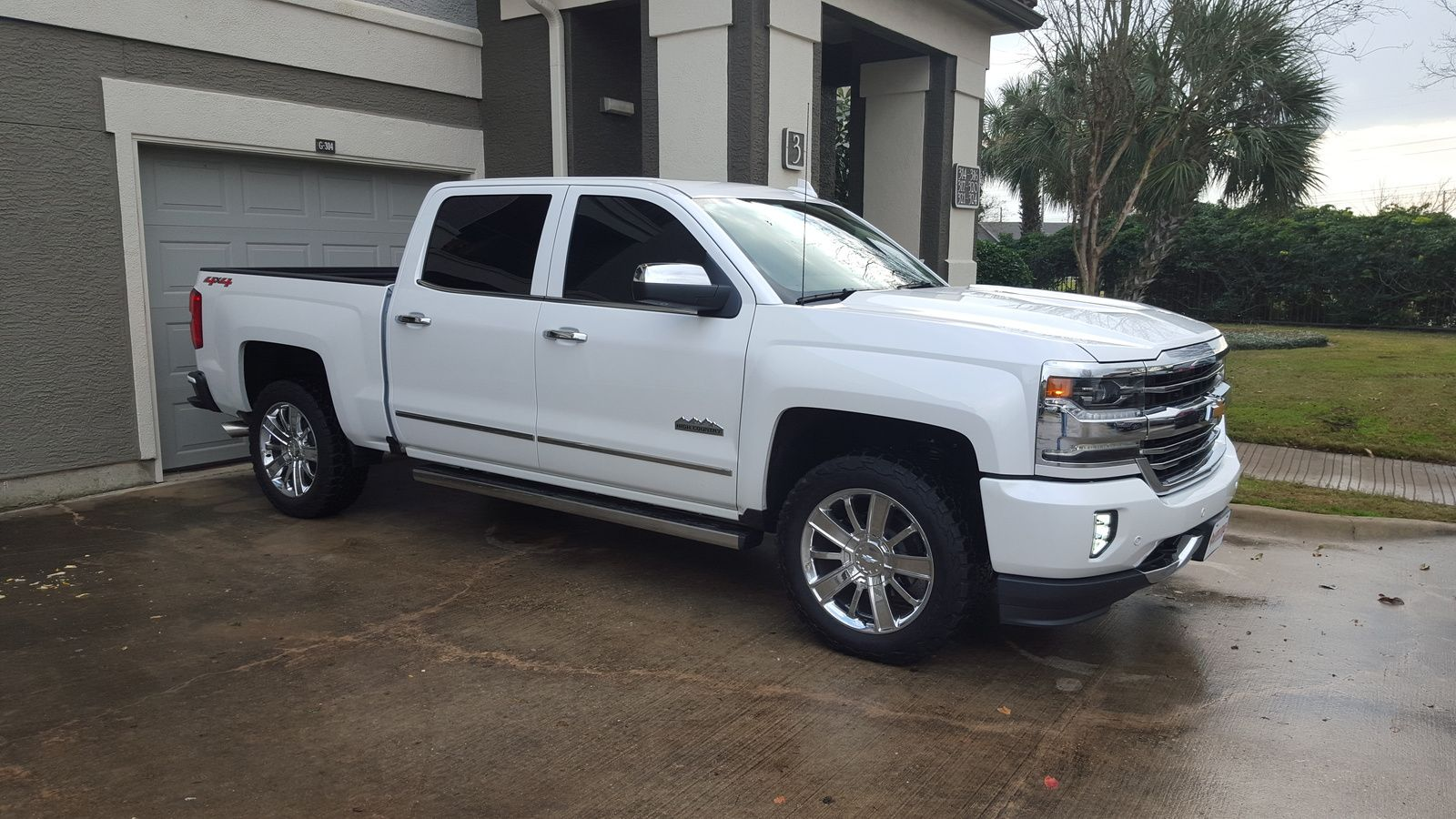 The 2015 silverado rally edition has earned its stripes stand out with unique rally stripes and body color grills chevy trucks pinterest 2015