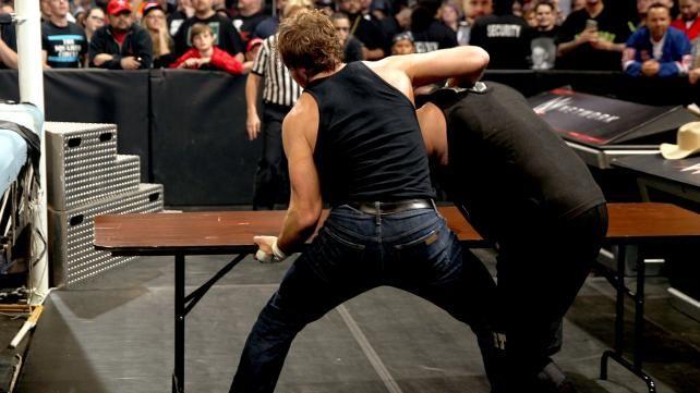 Campeón Intercontinental Dean Ambrose vs. Kevin Owens: fotos | WWE.com